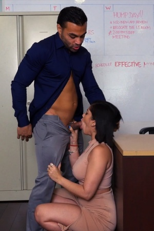 Kitty Caprice gives a bj & ends up getting fucked by her boss in the office
